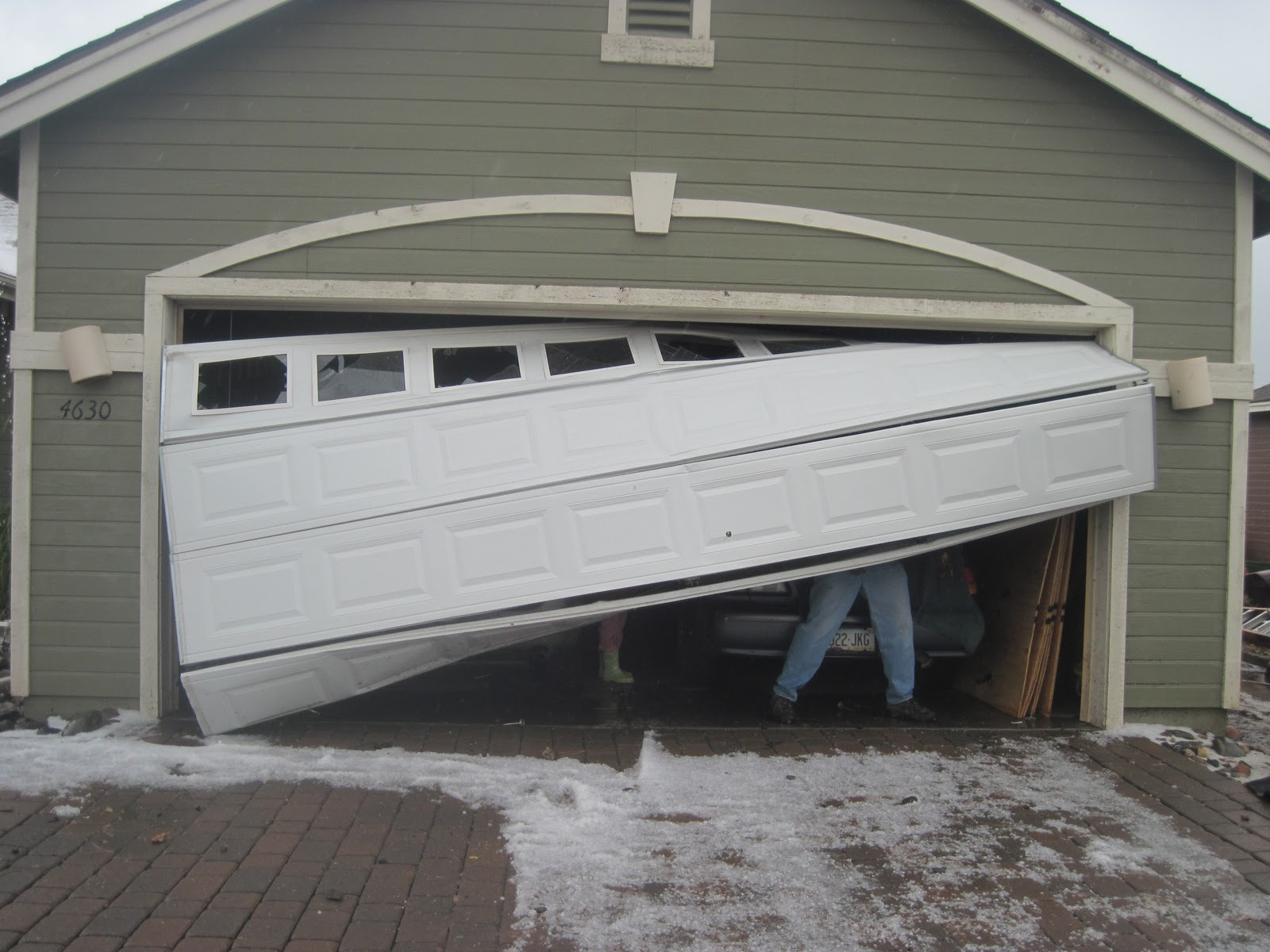 Garage door cable broke - Olivette Missouri Garage Door Repair